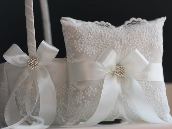 Wedding Flower Girl Basket & Ring Bearer Pillow / Off White Ring Holder /Lace Ringkissen