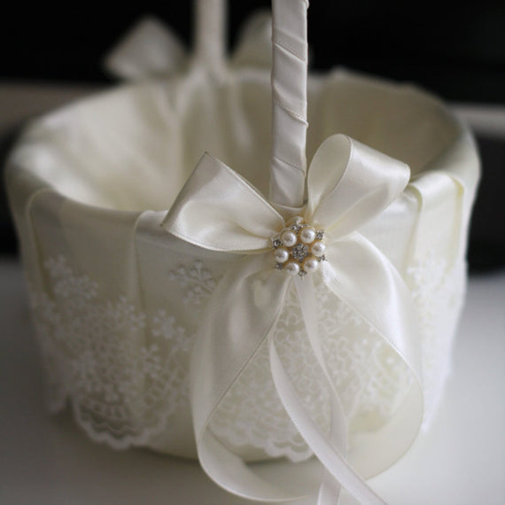 Ivory Flower Girl Basket, Wedding Accessories, Flower Girl Gift, Ivory Wedding Basket Pillow Set, Lace wedding baskets, Favor Baskets