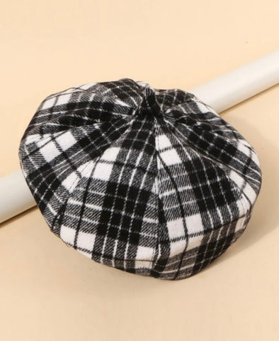 Black and White Teen Beret