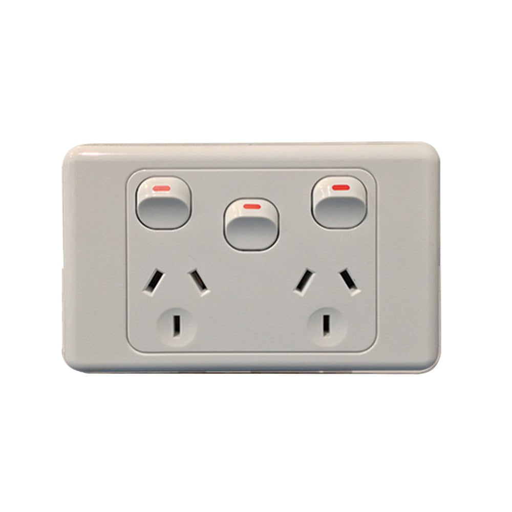 10A Horizontal Double Powerpoint with Extra Switch