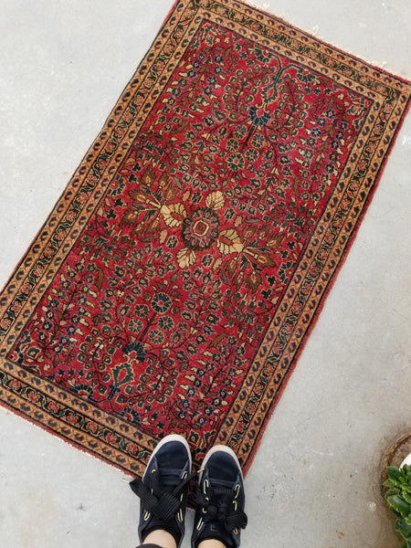 2'2 x 3'10 antique Persian Sarouk