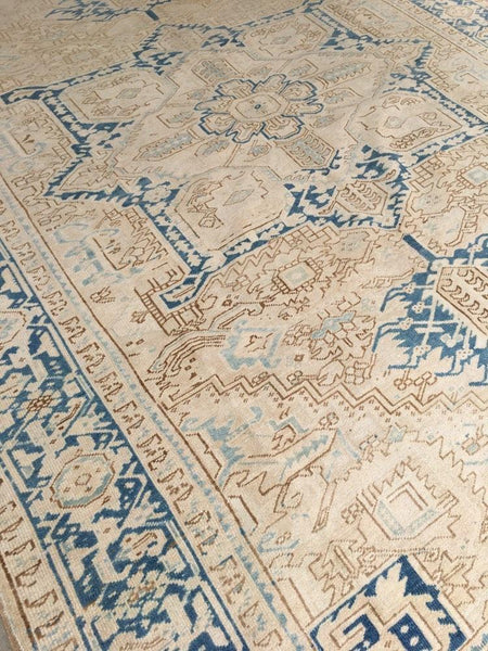 8'10 x 12' antique ivory and blue Persian Heriz (#1129)