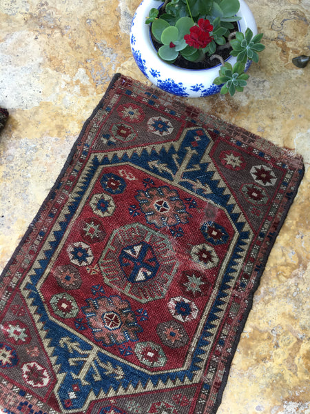 2 x 2'10 Antique Turkish Rug Mat / scatter rug