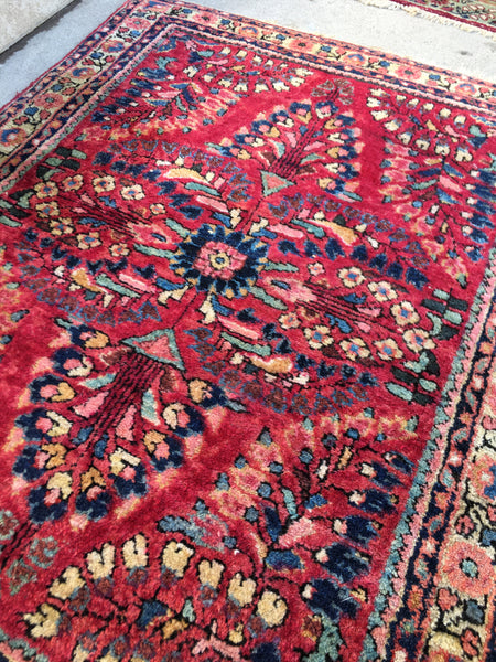 2' x 2'6 Antique Persian Sarouk mat rug / small 2x3 Persian vintage rug