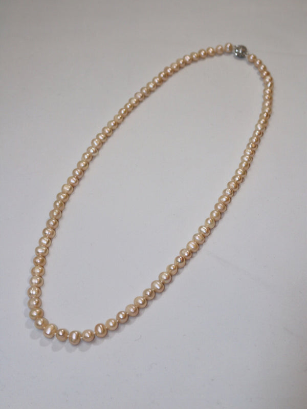 Brillant Pearl Necklace