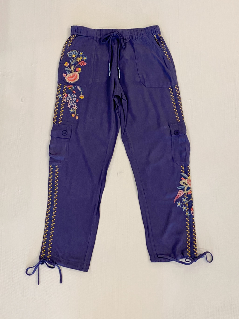 Papparazi Linen Pants with Embroidery