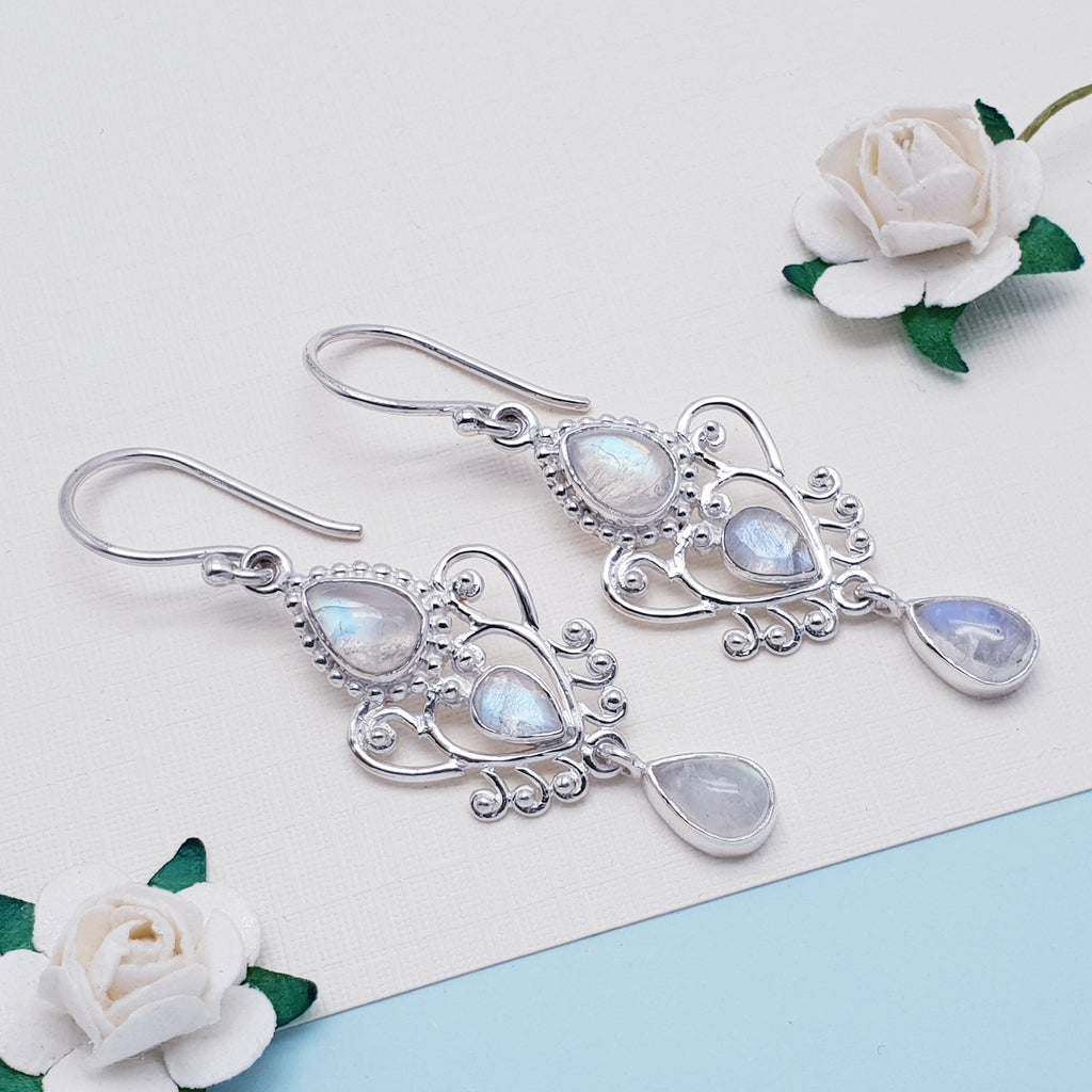 Moonstone Alectrona Earrings