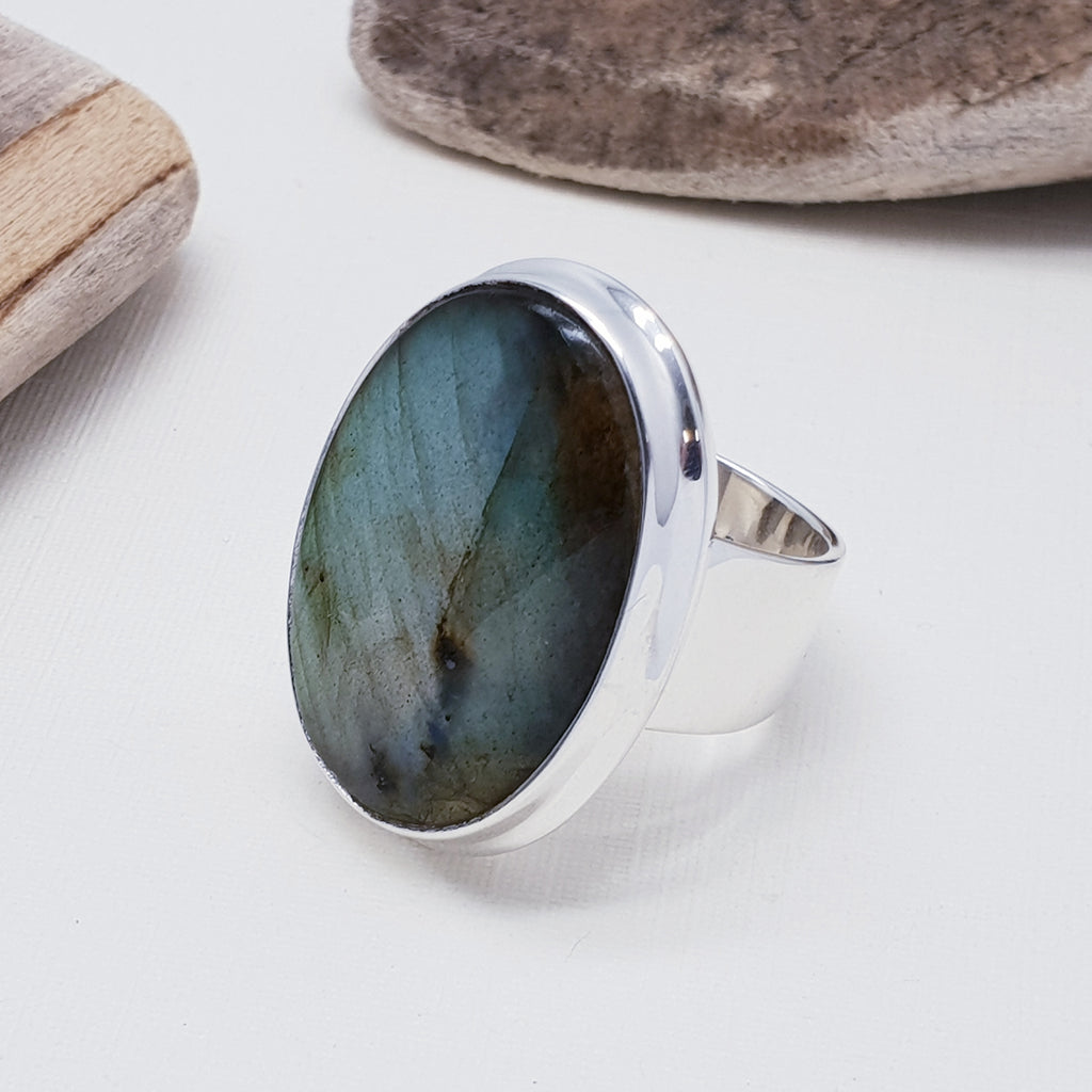 Labradorite Simple Green Oval Ring