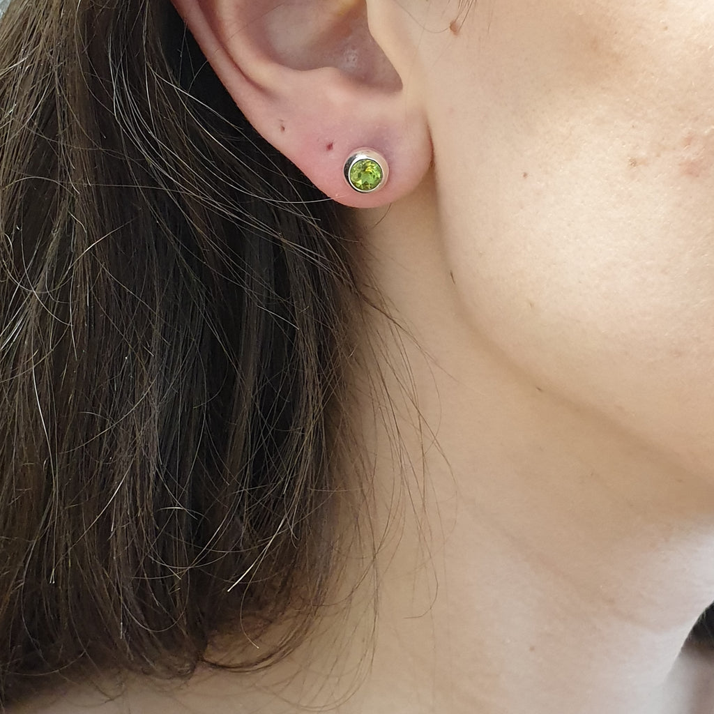Peridot Round Faceted Studs