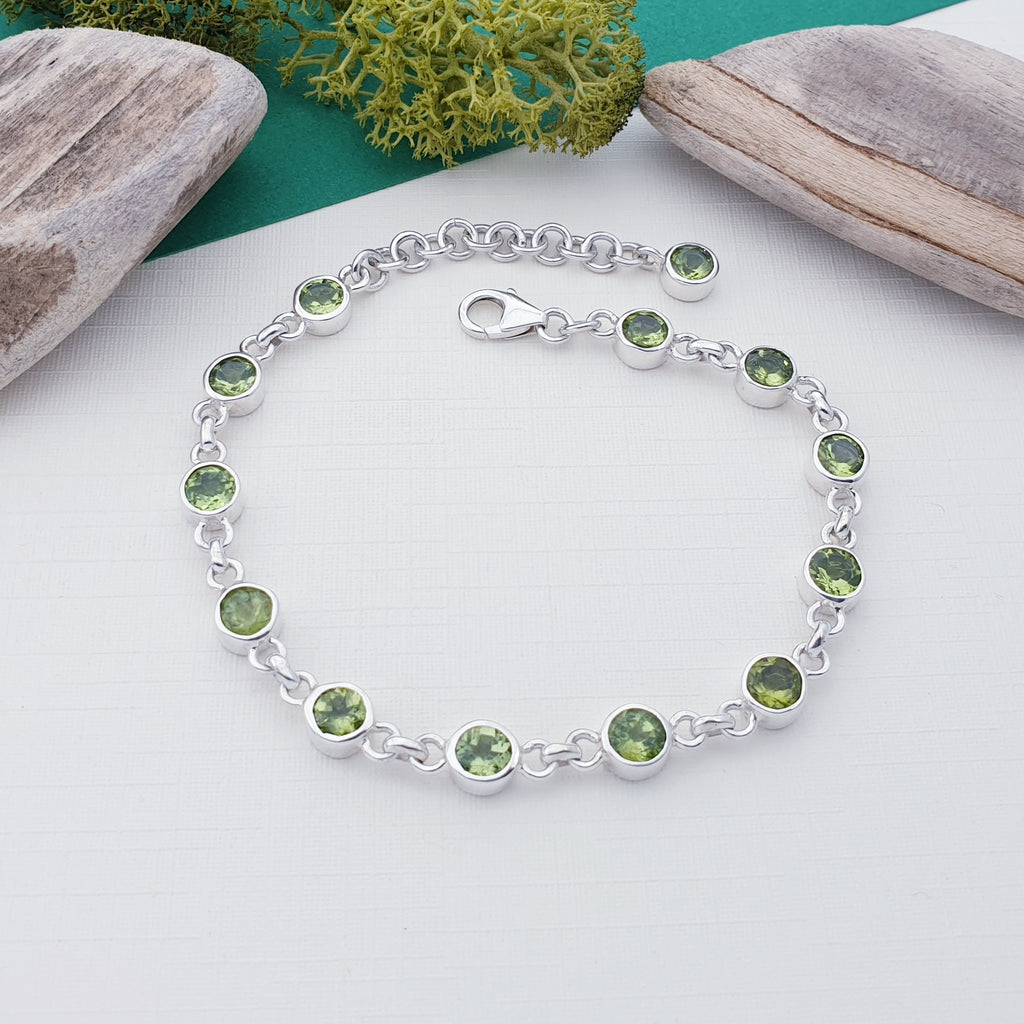 Peridot Linked Bracelet