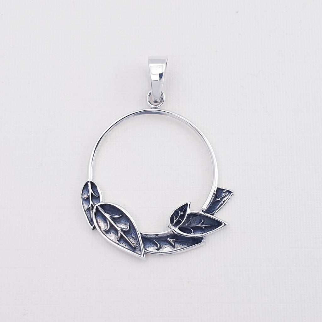 Silver Circle of Leaves Pendant