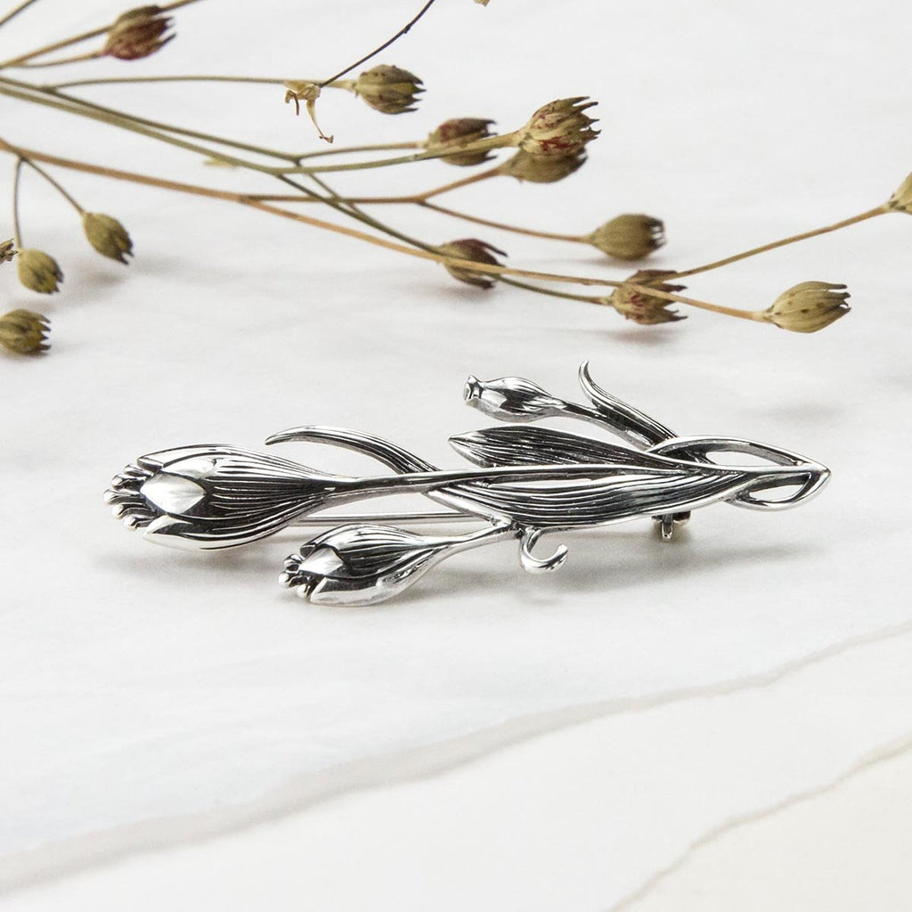 Silver Entwined Flower Brooch