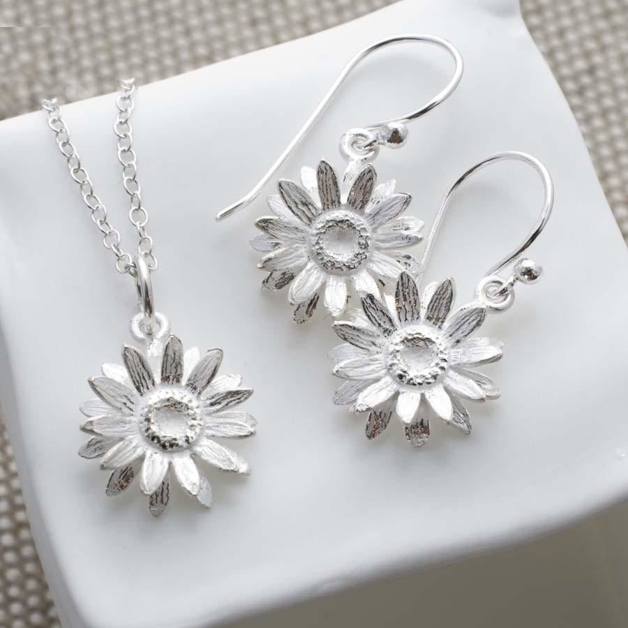 Silver Daisy Jewellery Set by Martha Jackson