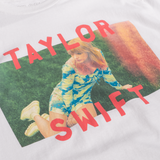 TAYLOR SWIFT PHOTO TEE WITH RED LETTERING