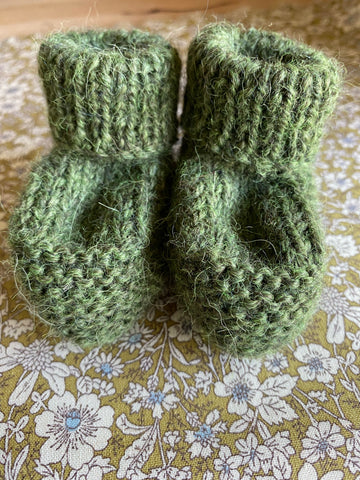HAND KNITTED BABY BOOTIE. Moss Green.
