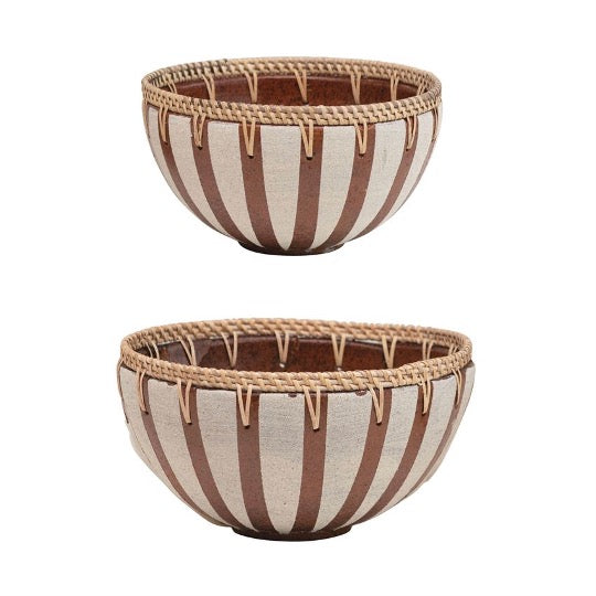 2 terracotta striped bowls with rattan rim