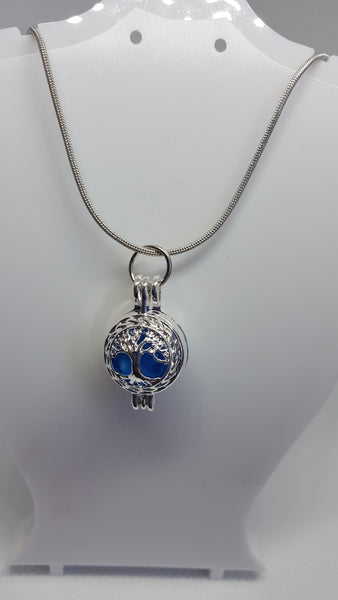 "Tree of life locket pendant on an 18"" silver coated chain"