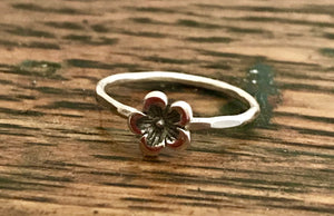 Small Solitaire Sterling Silver Flower Ring