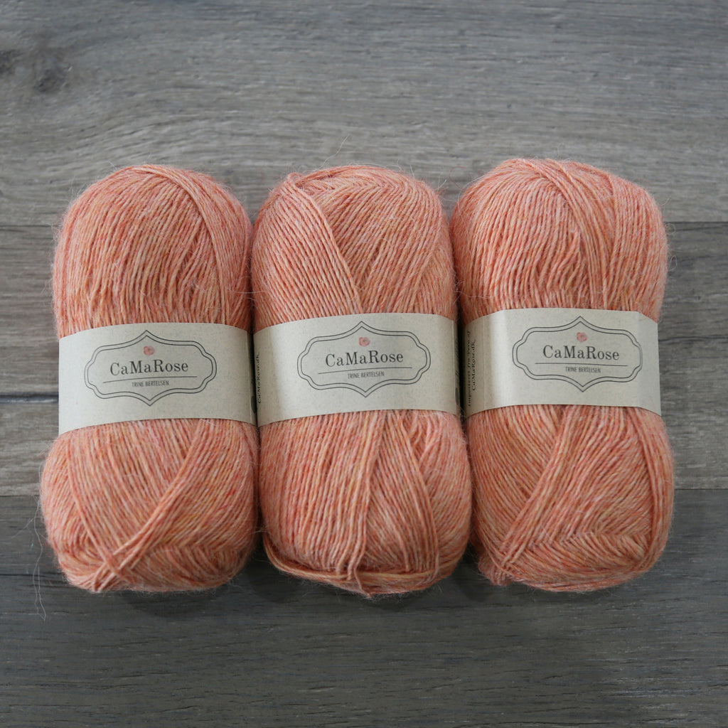CaMaRose Lama TYND LAMAULD Light Fingering Yarn - Llama, Virgin Wool blend from Peru