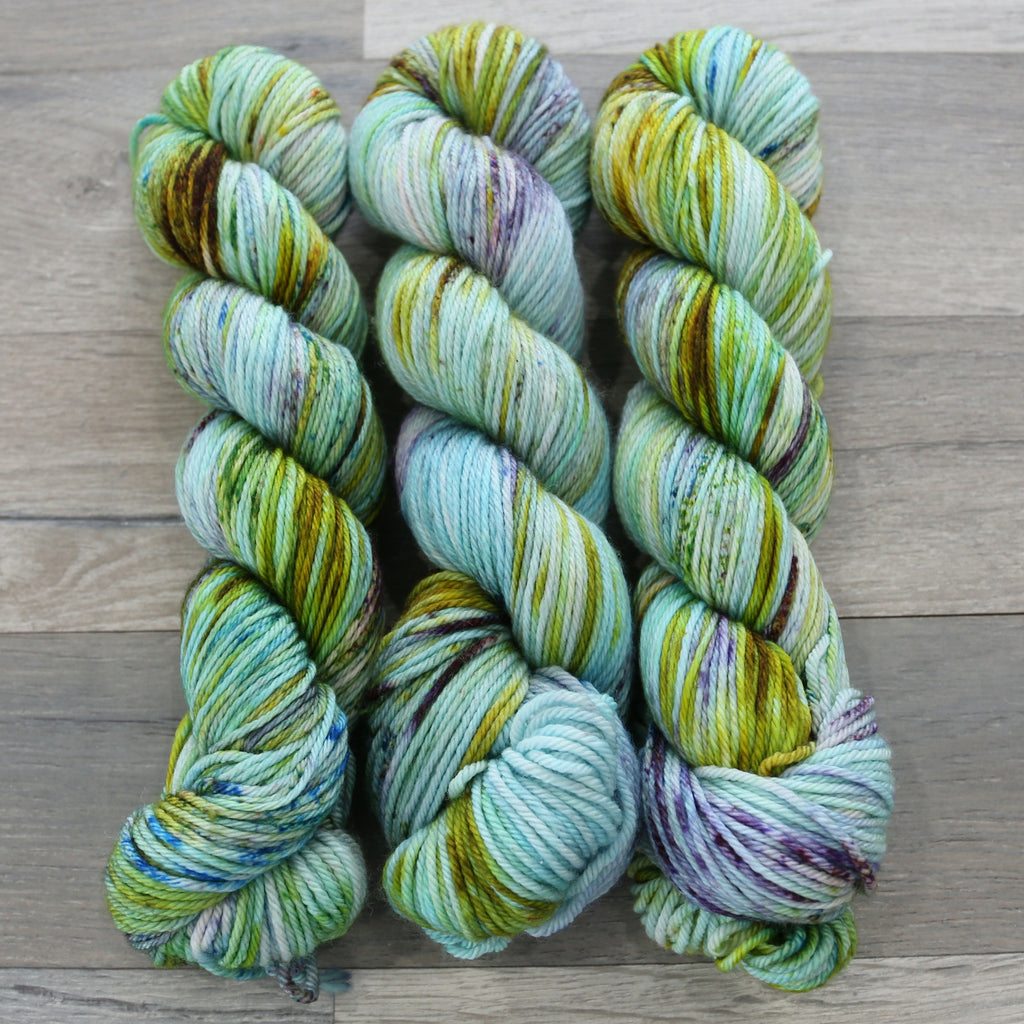Nice & Knit Worsted 100% Superwash Merino yarn made in The United States