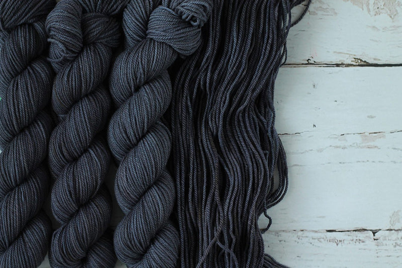 Julie Asselin Journey Sport charcoal Yarn