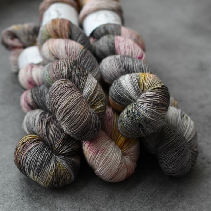 La Bien Aimée Merino Singles yarn in Toronto made with 100% Superwash Merino wool