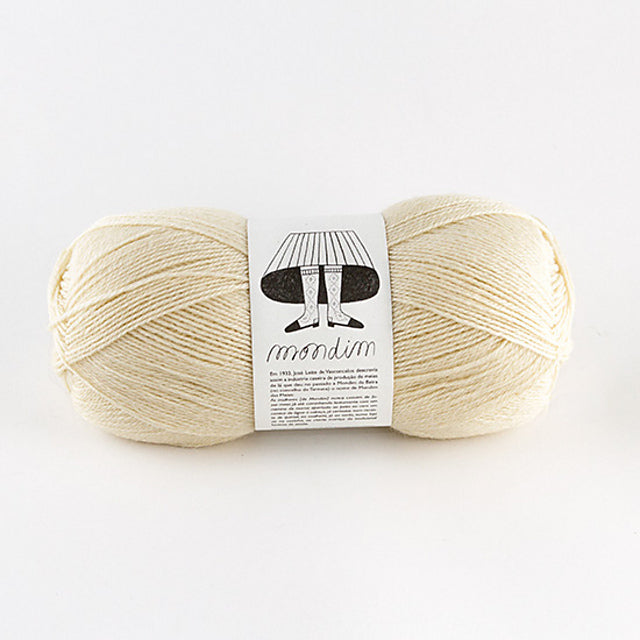 Retrosaria Mondim Fingering yarn with 100% Portuguese Wool
