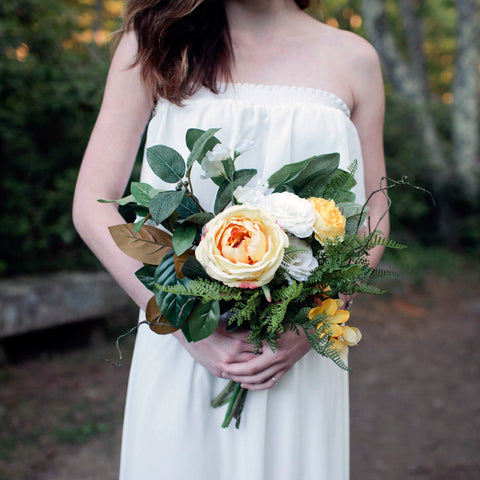 Chamomile bridesmaid bouquet
