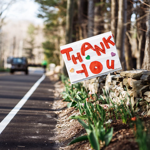 """alt=""""thank you sign on the side of the road"""""""