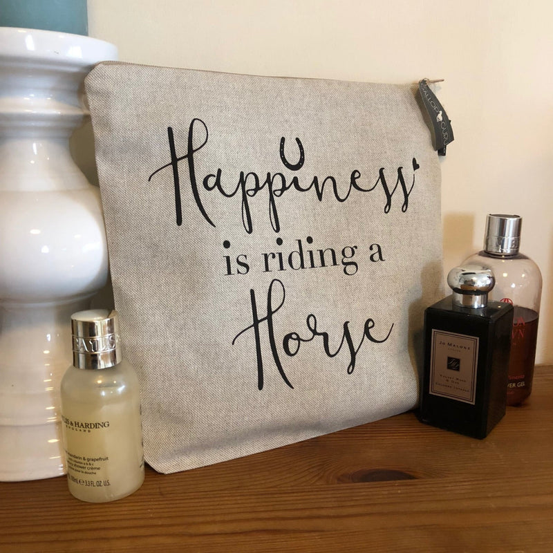 "Linen Washbag with slogan ""Happiness is riding a Horse"""