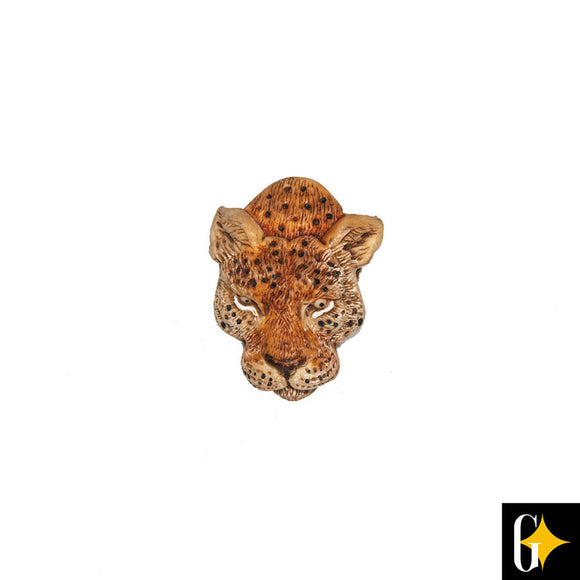 Top view of the leopard head magnet. Buy this African gift now.