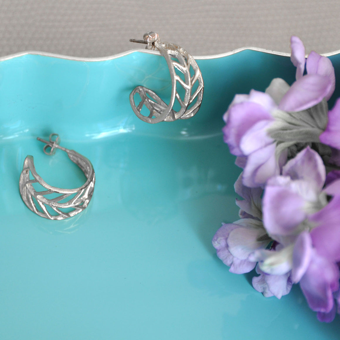 Chevron Leaf Hoop Earrings (Petite) - Platinum Silver