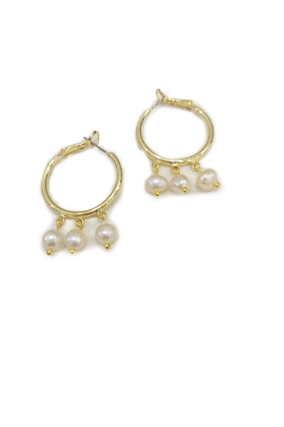 Freshwater pearls and golden hoops earrings - Sofi Moukidou