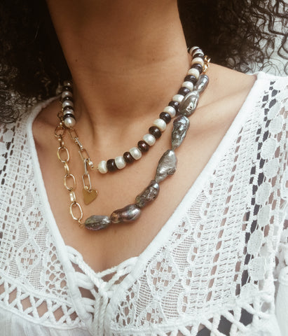 Baroque freshwater pearls and chain necklace - Sofi Moukidou