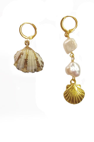 Freshwater pearls and shells earrings
