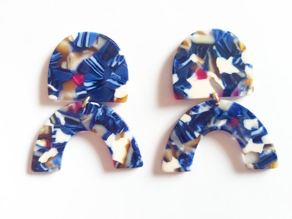 Blue curvy mosaic earrings - Sofi Moukidou