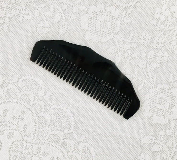Regency Toilette Carved Horn Comb