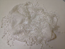 Daisies and Lace Style Scarf - White