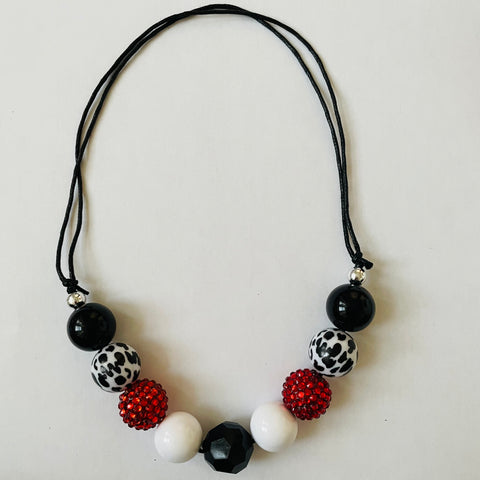 BLACK, WHITE AND RED NECKLACE