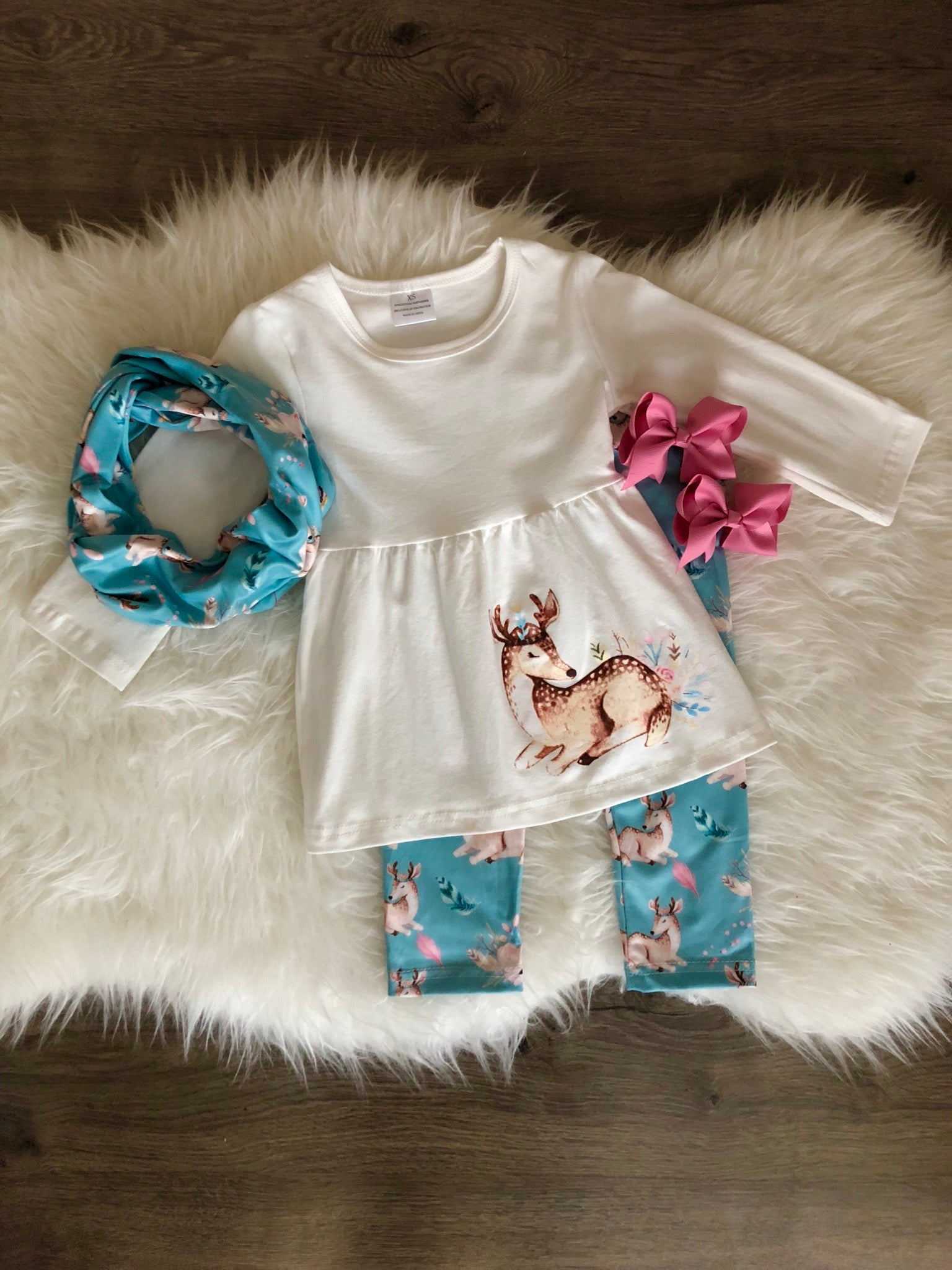 VINTAGE FEATHER DEER THREE PIECE SCARF SET {8}