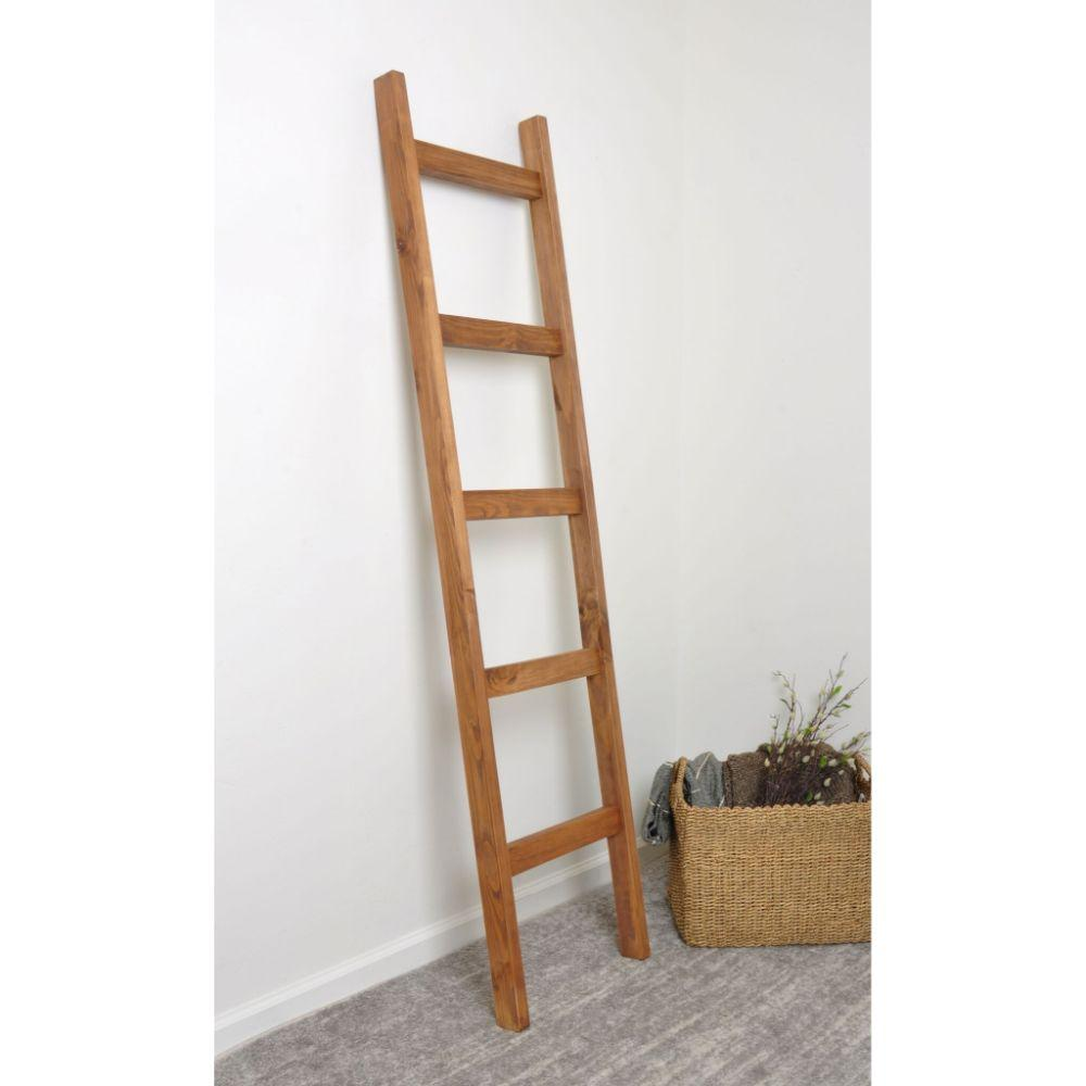 Light Brown Blanket Ladder