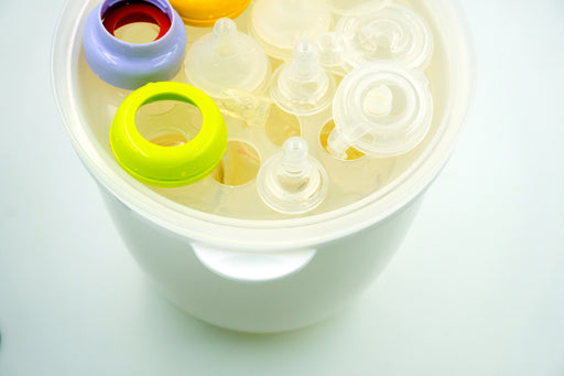 When And How To Sterilize Baby's Bottles? Our How-To Guide