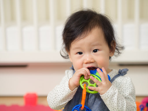 A Parent's Guide to Teething and Baby's First Tooth