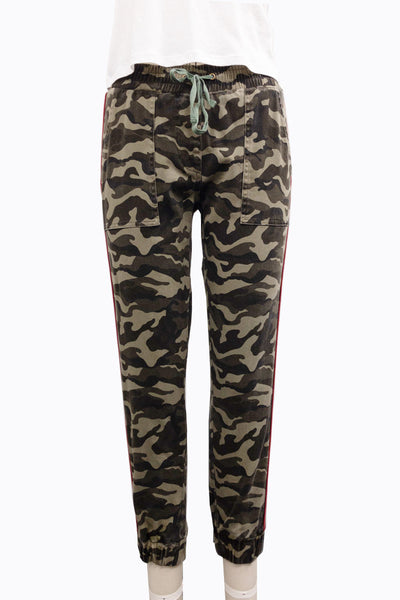 Camo Jogger With Contrast Piping