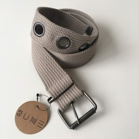 GRAY GROMMET BELT