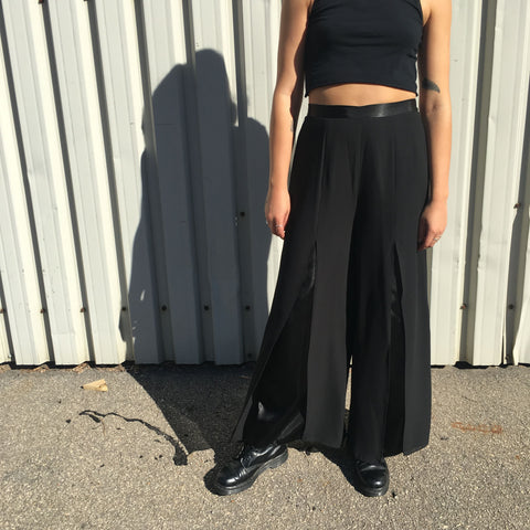FLOWY BLACK PANTS