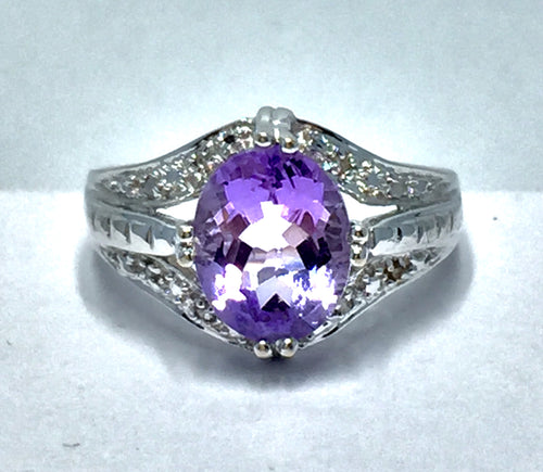 ee739148d37 Oval Cut Amethyst Ring in 14K White Gold