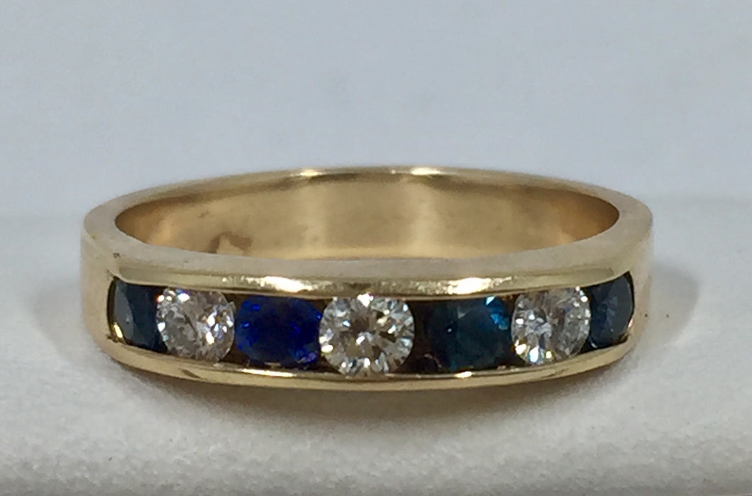 Diamond and Deep Blue Sapphire Gold Band