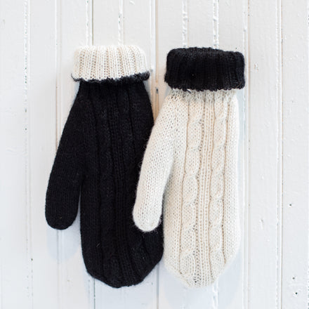 Reversible Cableknit Mittens