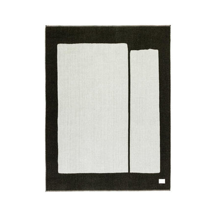 Blacksaw Generation Reversible Throw - Black/Ivory